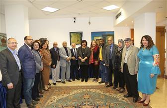 وزيرة الثقافة توجه لجنة القصة بالتواصل مع أدباء الأقاليم.. وتدرس مقترحا بجائزة في تحقيق التراث