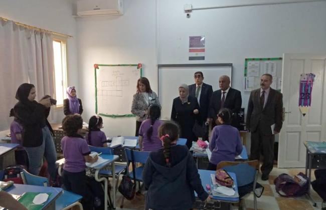 رئيس القومية لضمان جودة التعليم تتفقد عددا من المدارس بمنطقة كرداسة   صور -