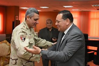 محافظ الشرقية يستقبل مدير جمعية المحاربين القدماء وضحايا الحرب