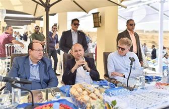 وزير الصناعة يشهد إطلاق المجموعة البافارية للسيارات الكهربائية BMWi بمصر | صور