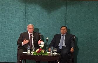 رئيس الجامعة الأمريكية: مصر تلعب دورا هاما في مجال التنمية البشرية| صور