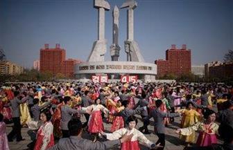 طلاب كوريا الشمالية يحتفلون بذكرى ميلاد كيم إيل سونج | صور