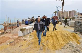 محافظ مطروح يتابع أعمال تطوير شاطئ كليوباترا