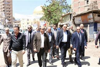 محافظ الشرقية يتفقد شوارع مدينة ديرب نجم للاطمئنان على الحالة العامة لنظافة الشوارع