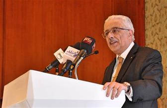 """وزير التعليم يوضح لـ""""بوابة الأهرام""""حقيقة إلغاء امتحانات نهاية العام لأولى وثانية ثانوي عام واستبدالها بالأبحاث"""