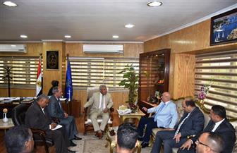 محافظ أسوان يلتقي مدير الاتحاد المصري للكاراتيه| صور