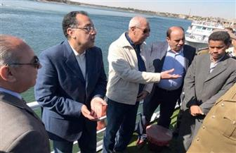 رئيس الوزراء يبدأ زيارته للبر الغربي بالأقصر مستقلا مركبا نيليا | صور