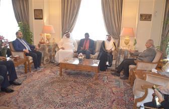 رئيس البرلمان العربي يبحث مع أبو الغيط سبل تعزيز التضامن العربي ومواجهة التحديات