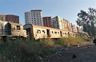 شهود عيان يرون لحظات خروج العربة الثانية من قطار كفرالشيخ عن مساره | صور