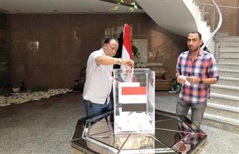 سفارتا مصر بدبى وأبوظبى تغلقان باب التصويت عقب انتهاء اليوم الثالث للاستفتاء على الدستور