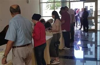 """إقبال كثيف من المصريين في قطر على المشاركة بـ""""استفتاء تعديل الدستور""""  صور"""