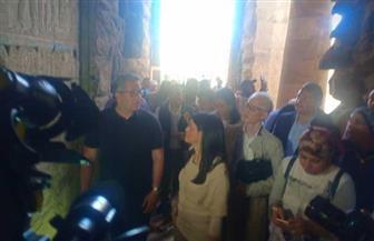 وزيرا السياحة والآثار في جولة داخل معبد الكرنك بصحبة عدد من الفنانين والأدباء |صور