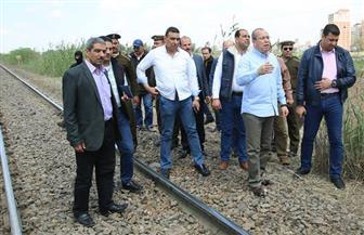 محافظ كفرالشيخ يتفقد موقع انحراف عربتي القطار رقم 495   صور