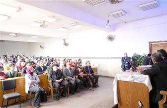 وزيرالآثار يلتقي طلاب كلية الآداب بجامعة عين شمس   صور