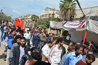 """توافد عمال المنطقة الحرة على لجنة """"الاستثمار"""" في بورسعيد للإدلاء بأصواتهم"""