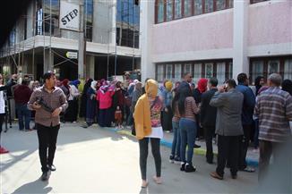 بعد مرور ساعة من فتح باب التصويت.. إقبال بالإسماعيلية على لجان استفتاء التعديلات الدستورية