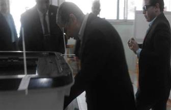 وزير الكهرباء يدلي بصوته في الاستفتاء على التعديلات الدستورية بالعجوزة