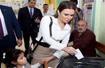 سحر نصر: المشاركة في الاستفتاء واجب وطني ورسالة للعالم أن مصر على الطريق | صور