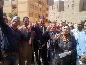 مواطنو بولاق الدكرور يحتشدون للإدلاء بأصواتهم على التعديلات الدستورية