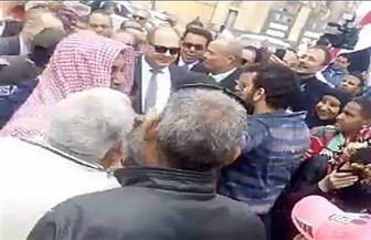 محافظ الغربية يقود مسيرة لعمال غزل المحلة للحث على المشاركة باستفتاء التعديلات الدستورية