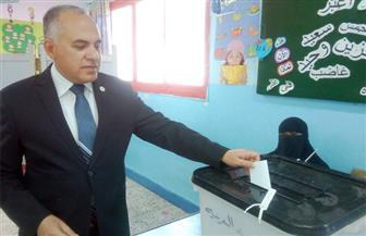 وزير الري يدلى بصوته في التعديلات الدستورية.. ويؤكد: المشاركة بالاستفتاء واجب وطني على كل مصري