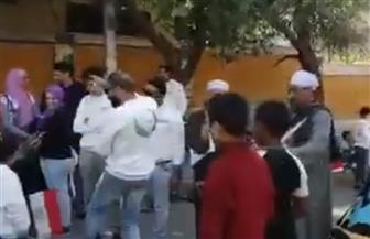 طبل ومزمار بلدي أمام لجان الاستفتاء بالهرم | فيديو