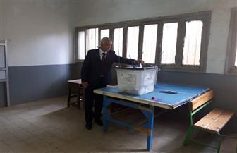 رئيس جامعة المنوفية يدلي بصوته في الاستفتاء على التعديلات الدستورية