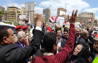"""مسيرات وأتوبيسات مكشوفة لحث المواطنين على المشاركة بـ""""الاستفتاء"""" في البحيرة"""