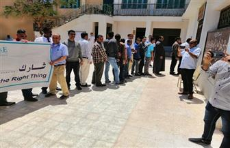 إقبال كبير من المواطنين على اللجان المستحدثة بالبحر الأحمر
