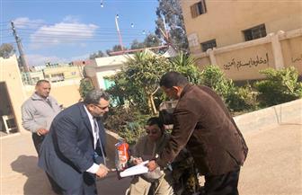 مستشار ينتقل لخارج لجنته لمساعدة معاق على الإدلاء بصوته في كفر الشيخ