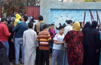 تزايد الناخبين أمام المقار الانتخابية بالقليوبية مع اقتراب غلق الصناديق | صور