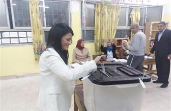 وزيرة السياحة تدلي بصوتها في الاستفتاء على التعديلات الدستورية