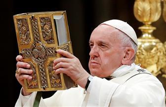 بابا الفاتيكان يترأس قداس الفصح.. ويطلق رسالة سلام عالمية | صور