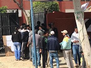 إقبال على لجان الاستفتاء ببورفؤاد مع بدء عملية التصويت في يومها الثاني | صور