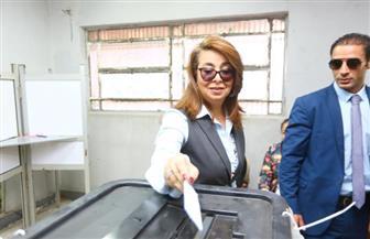 غادة والي تدلي بصوتها في الاستفتاء على تعديلات الدستور وتدعو المصريين للمشاركة | صور