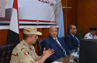محافظ القاهرة يتابع سير عملية الاستفتاء على تعديلات الدستور من خلال غرفة العمليات