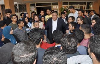 رئيس جامعة حلوان يتفقد الكليات للتوعية بأهمية المشاركة في الاستفتاء على تعديلات الدستور | صور