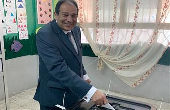 """الأمين العام لـ""""مستقبل وطن"""" يدلي بصوته في الاستفتاء على التعديلات الدستورية بالتجمع الخامس"""