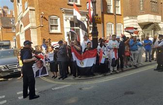 المصريون في لندن يشاركون في الاستفتاء على التعديلات الدستورية | صور