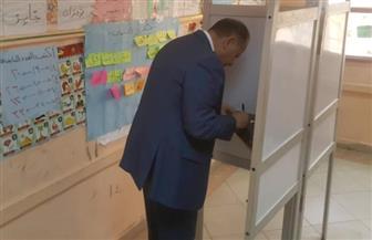 محافظ الفيوم  يدلي بصوته في الاستفتاء على التعديلات الدستورية|صور