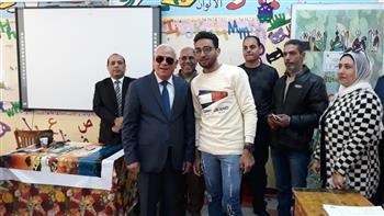 محافظ بورسعيد يتفقد عددا من لجان الاستفتاء على التعديلات الدستورية وسط إقبال كبير من المواطنين