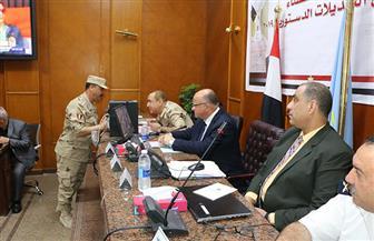 لليوم الثالث.. محافظ القاهرة يتابع سير الاستفتاء من غرفة العمليات المركزية