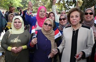 مرفت تلاوي بعد الإدلاء بصوتها في الاستفتاء: الشعب المصري أصبح علي درجة كبيرة من الوعي