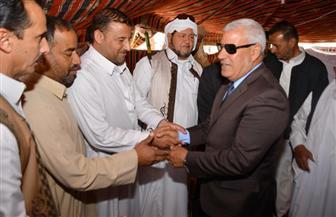 محافظ مطروح يتفقد لجان الاستفتاء بالنجيلة وبراني والسلوم | صور