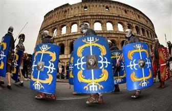 سكان روما يرتدون الأزياء التقليدية في ذكرى تأسيس المدينة | صور