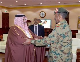 وزير الخارجية البحريني يجتمع مع رئيس المجلس العسكري الانتقالي بجمهورية السودان