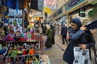 الأسواق الإيرانية في حالة ترقب بعد إلغاء الإعفاءات على العقوبات | صور