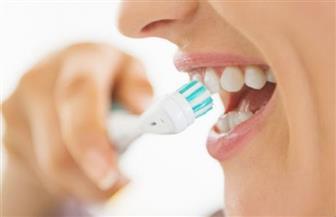خطأ شائع.. بيكربونات الصوديوم يبيض الأسنان