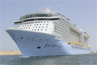 أحدث وأكبر سفينة ركاب في العالم تعبر قناة السويس وتسدد رسوم عبور 964 ألف دولار
