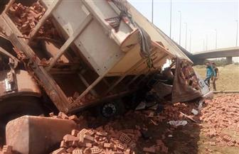 مصرع شخص وإصابة 4 آخرين إثر انقلاب سيارة من أعلى الطريق الإقليمي بالصف| صور